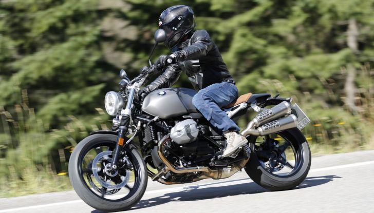 Prova della nuova BMW nineT Scrambler: due ruote selvaggia! - Foto 11 di 22