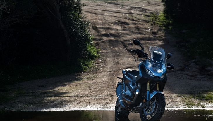 Honda X-ADV, prova su strada: 8 buoni motivi per cui ci è piaciuta - Foto 17 di 35