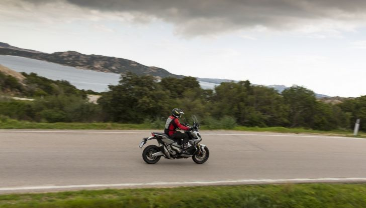 Honda X-ADV, prova su strada: 8 buoni motivi per cui ci è piaciuta - Foto 24 di 35