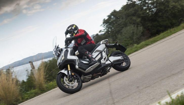 Honda X-ADV, prova su strada: 8 buoni motivi per cui ci è piaciuta - Foto 25 di 35