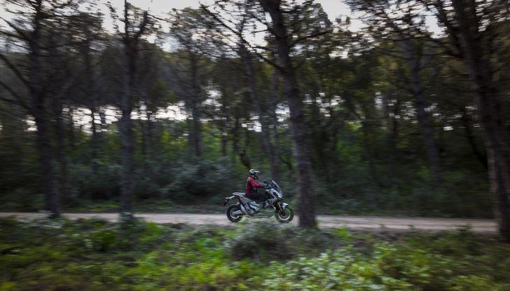 Honda X-ADV, prova su strada: 8 buoni motivi per cui ci è piaciuta - Foto 26 di 35