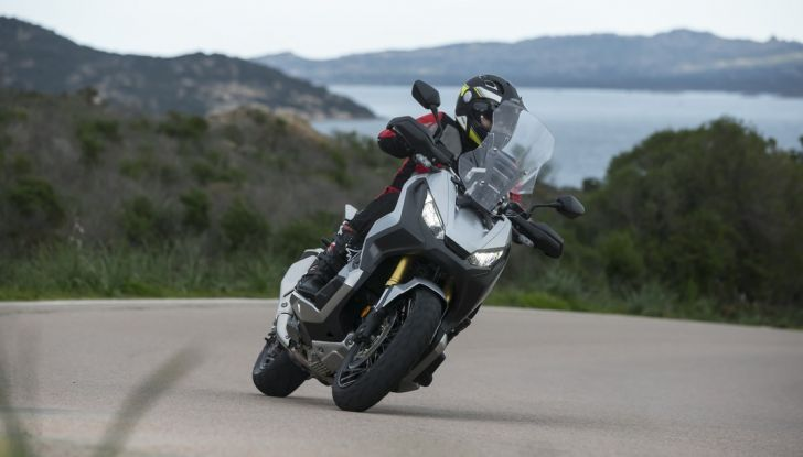 Honda X-ADV, prova su strada: 8 buoni motivi per cui ci è piaciuta - Foto 27 di 35