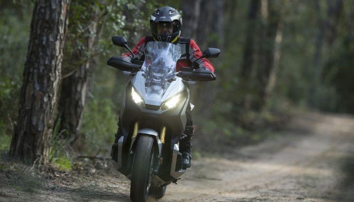 Honda X-ADV, prova su strada: 8 buoni motivi per cui ci è piaciuta - Foto 1 di 35