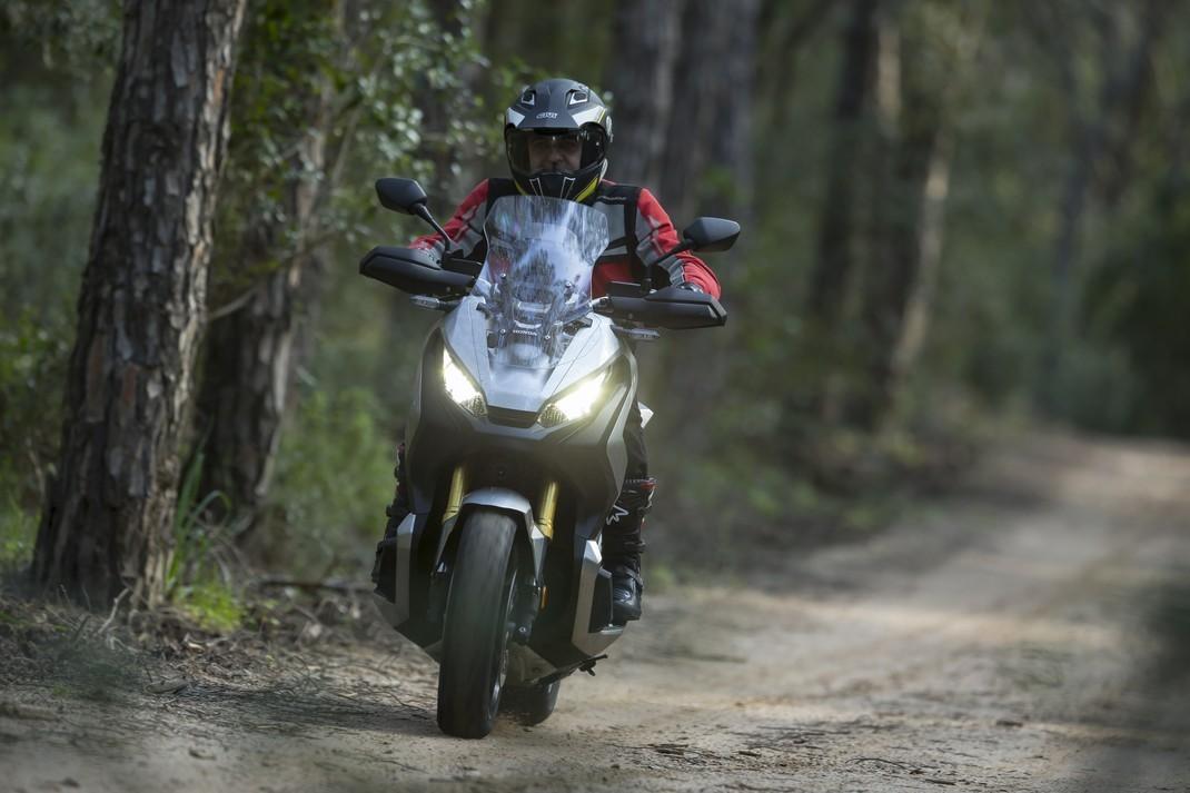 Honda X-ADV, prova su strada: 8 buoni motivi per cui ci è piaciuta