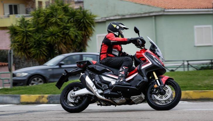 Honda X-ADV, prova su strada: 8 buoni motivi per cui ci è piaciuta - Foto 32 di 35