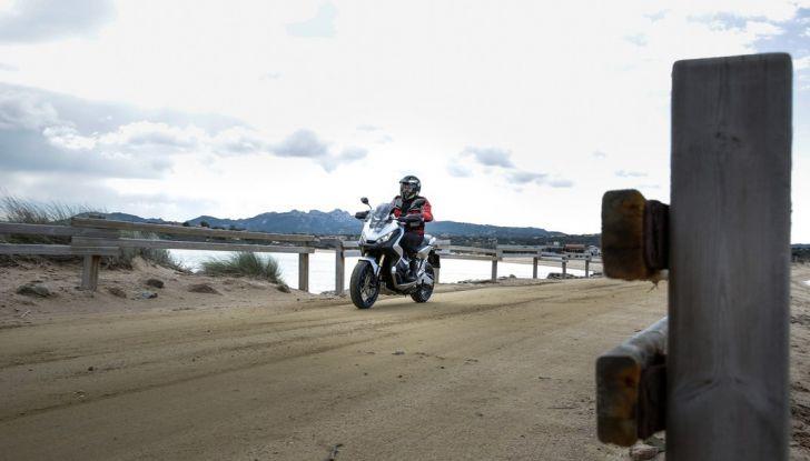 Honda X-ADV, prova su strada: 8 buoni motivi per cui ci è piaciuta - Foto 33 di 35