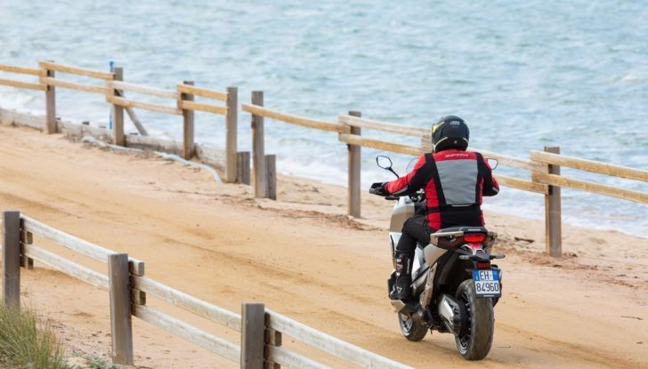 Honda X-ADV, prova su strada: 8 buoni motivi per cui ci è piaciuta - Foto 4 di 35