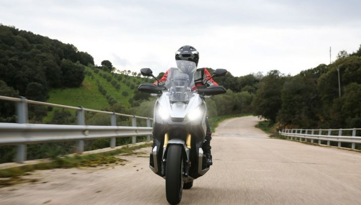 Honda X-ADV, prova su strada: 8 buoni motivi per cui ci è piaciuta - Foto 3 di 35