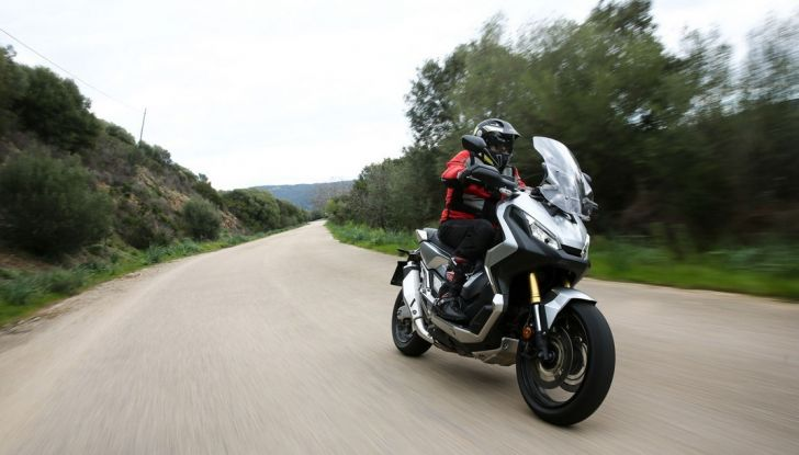 Honda X-ADV, prova su strada: 8 buoni motivi per cui ci è piaciuta - Foto 7 di 35