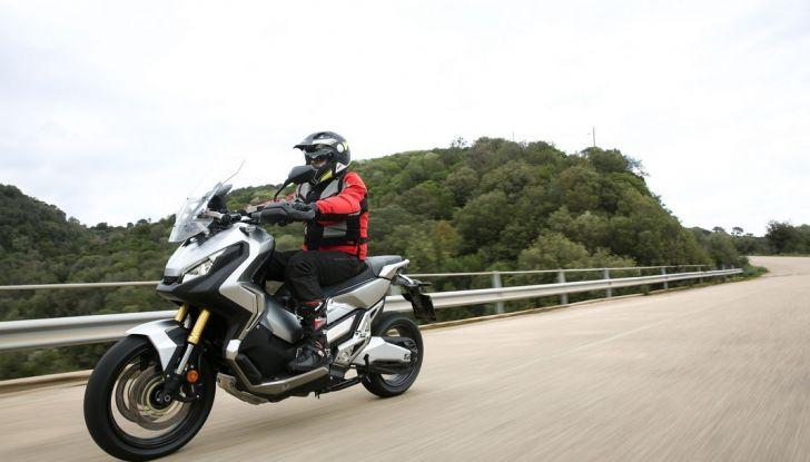Honda X-ADV, prova su strada: 8 buoni motivi per cui ci è piaciuta - Foto 8 di 35