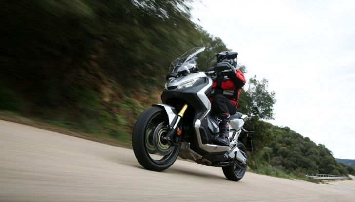 Honda X-ADV, prova su strada: 8 buoni motivi per cui ci è piaciuta - Foto 9 di 35