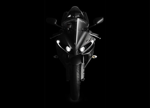 Yamaha YZF R1 - Foto 33 di 49