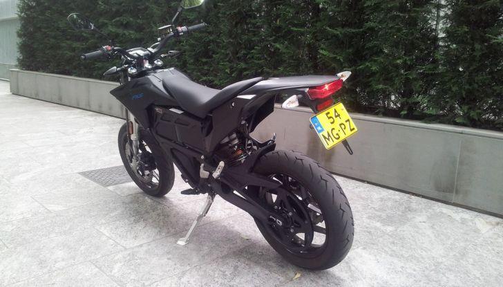 """Prova su strada: Zero Motorcycles FXS 11 kW: la """"125"""" elettrica - Foto 5 di 37"""