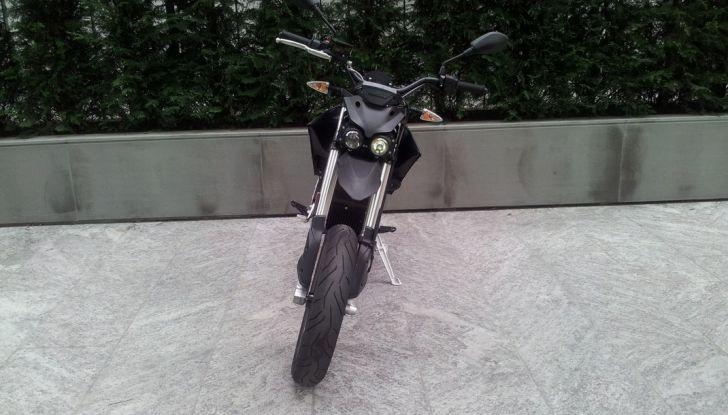 """Prova su strada: Zero Motorcycles FXS 11 kW: la """"125"""" elettrica - Foto 8 di 37"""