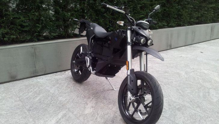 """Prova su strada: Zero Motorcycles FXS 11 kW: la """"125"""" elettrica - Foto 9 di 37"""