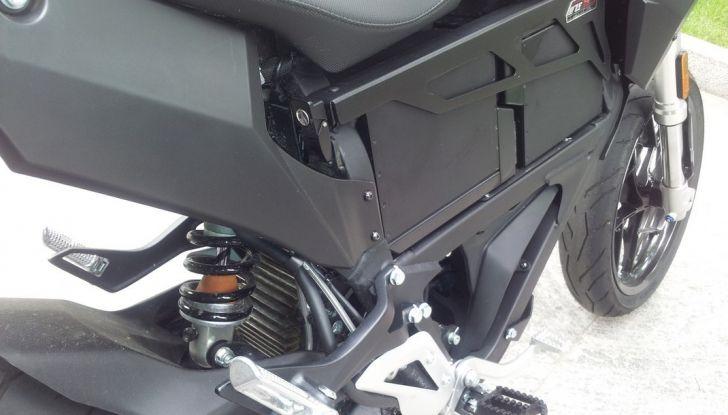 """Prova su strada: Zero Motorcycles FXS 11 kW: la """"125"""" elettrica - Foto 11 di 37"""