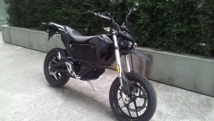 """Prova su strada: Zero Motorcycles FXS 11 kW: la """"125"""" elettrica - Foto 13 di 37"""