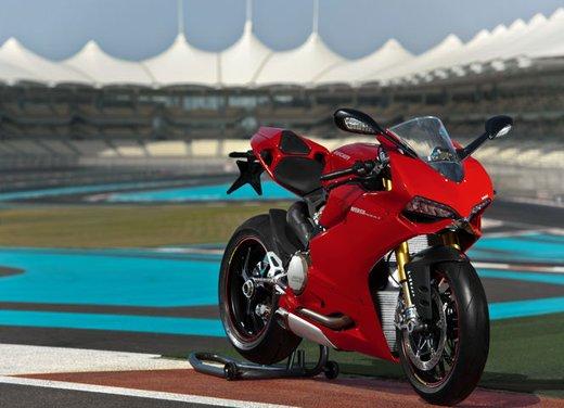 Ducati Riding Experience 2013 in sella a Ducati 1199 Panigale, Multistrada, Hypermotard e Monster - Foto 6 di 8