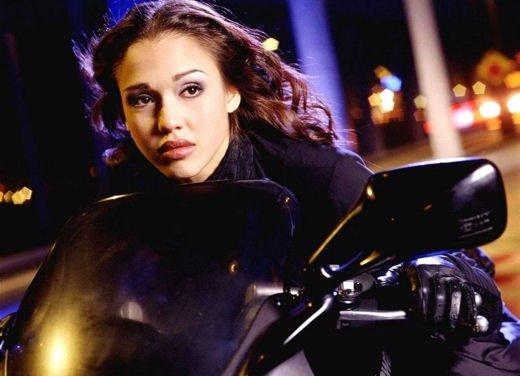 Le donne in moto più brave degli uomini - Foto 12 di 17