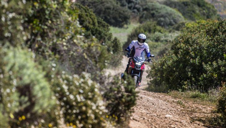 Test Honda CB 500X: divertimento e facilità immediata! - Foto 19 di 41