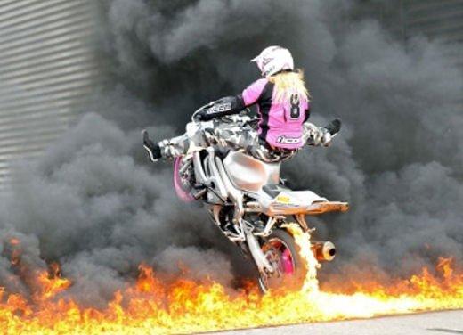 Le donne in moto più brave degli uomini - Foto 9 di 17