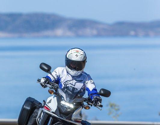 Test Honda CB 500X: divertimento e facilità immediata! - Foto 3 di 41