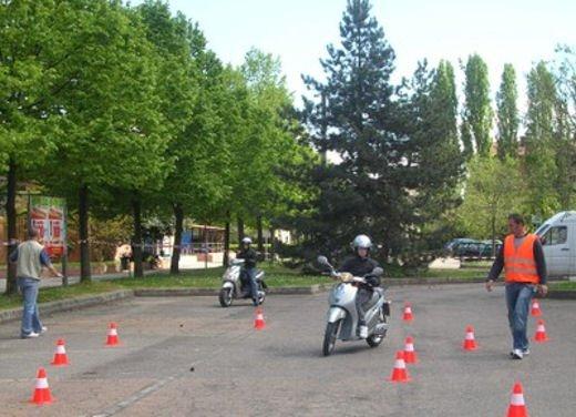 Esame pratico obbligatorio per scooter e minicar - Foto 4 di 8