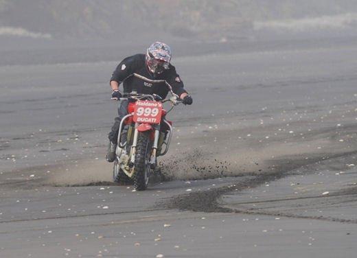Ducati 999 Beach Racer: una superbike diventa una off-road da spiaggia - Foto 4 di 12