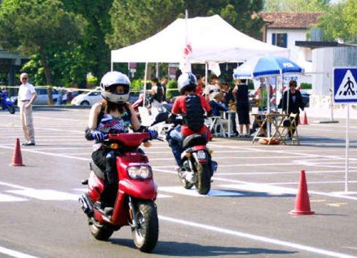 Esame pratico obbligatorio per scooter e minicar - Foto 1 di 8