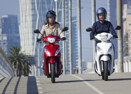 Honda Vision 110: long test ride del nuovo scooter Honda - Foto 2 di 25