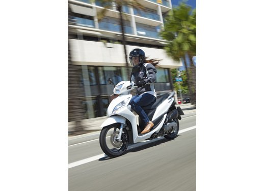 Honda Vision 110: long test ride del nuovo scooter Honda - Foto 8 di 25