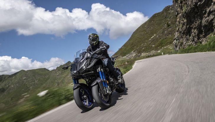 Yamaha Niken: come va la moto più discussa di sempre - Foto 2 di 22