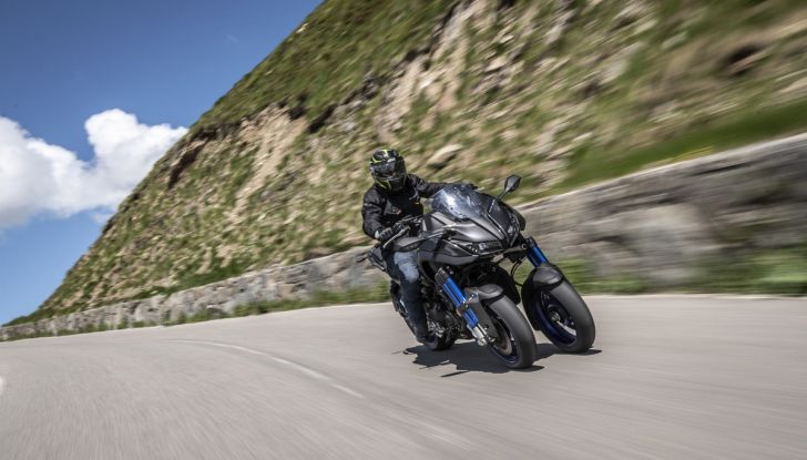 Yamaha Niken: come va la moto più discussa di sempre - Foto 4 di 22