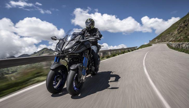 Yamaha Niken: come va la moto più discussa di sempre - Foto 5 di 22