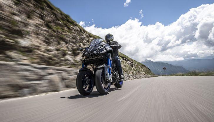Yamaha Niken: come va la moto più discussa di sempre - Foto 7 di 22
