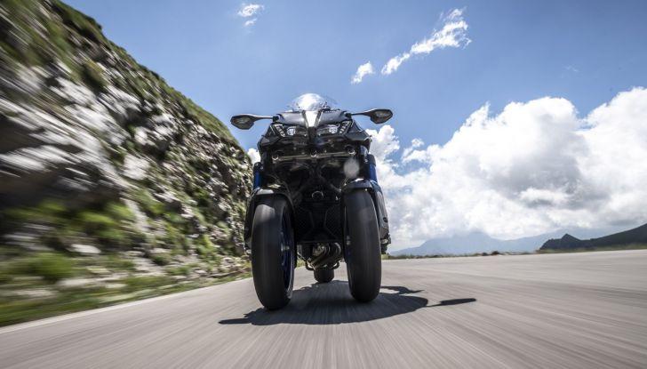 Yamaha Niken: come va la moto più discussa di sempre - Foto 8 di 22