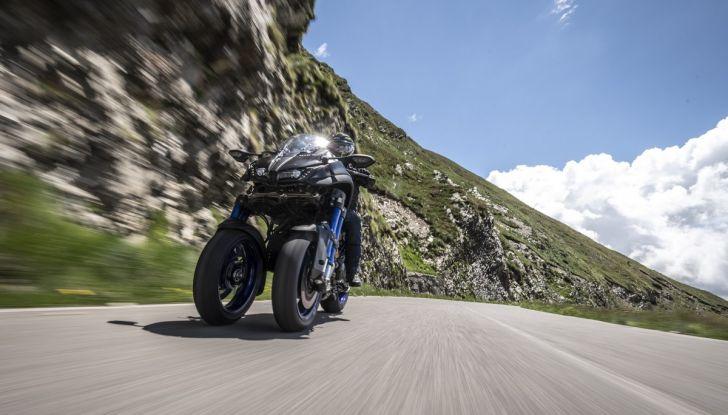 Yamaha Niken: come va la moto più discussa di sempre - Foto 9 di 22