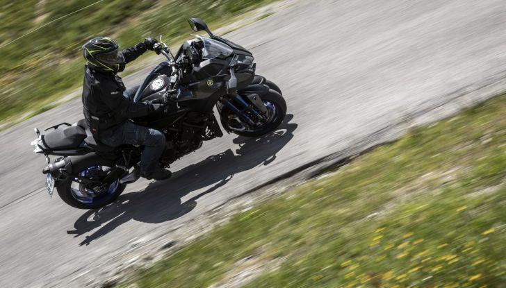 Yamaha Niken: come va la moto più discussa di sempre - Foto 12 di 22