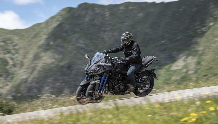 Yamaha Niken: come va la moto più discussa di sempre - Foto 13 di 22