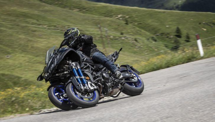 Yamaha Niken: come va la moto più discussa di sempre - Foto 14 di 22