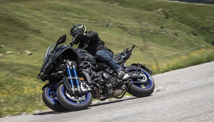 Yamaha Niken: come va la moto più discussa di sempre - Foto 15 di 22