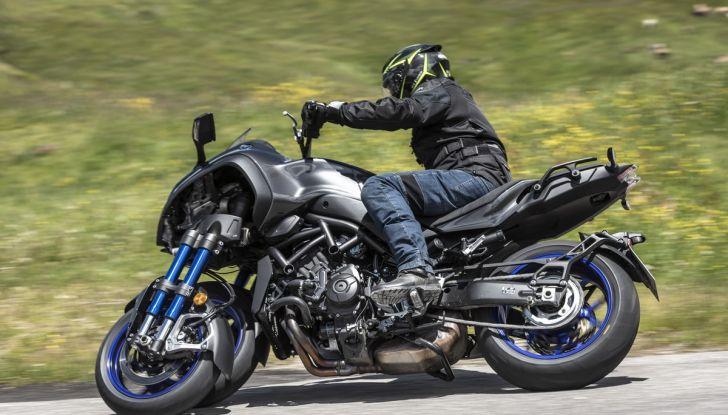 Yamaha Niken: come va la moto più discussa di sempre - Foto 16 di 22