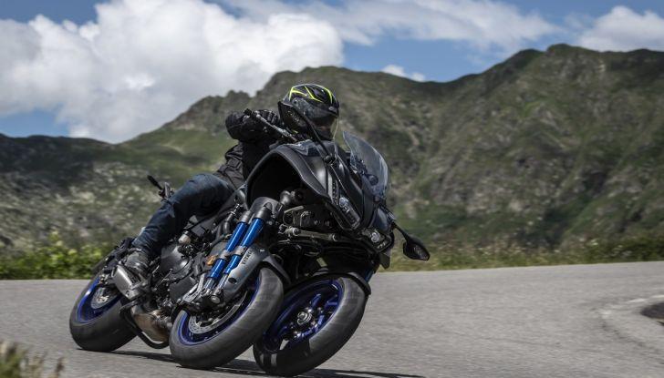 Yamaha Niken: come va la moto più discussa di sempre - Foto 17 di 22