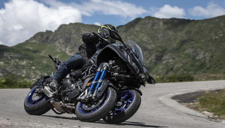 Yamaha Niken: come va la moto più discussa di sempre - Foto 18 di 22