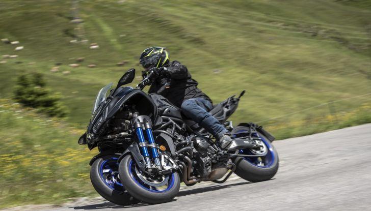 Yamaha Niken: come va la moto più discussa di sempre - Foto 19 di 22