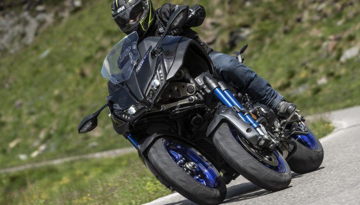 Yamaha Niken: come va la moto più discussa di sempre - Foto 21 di 22