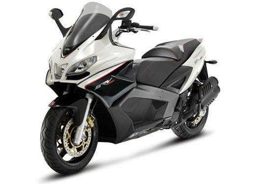 Motodays 2012: novità da Ducati, Piaggio, Aprilia, Moto Guzzi - Foto 9 di 17