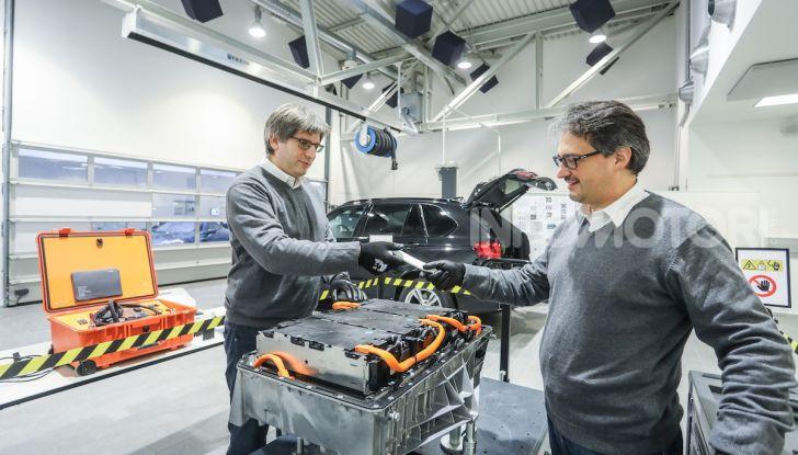 BMW e il programma di qualificazione del personale per auto elettriche e ibride - Foto 3 di 13