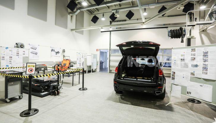 BMW e il programma di qualificazione del personale per auto elettriche e ibride - Foto 5 di 13