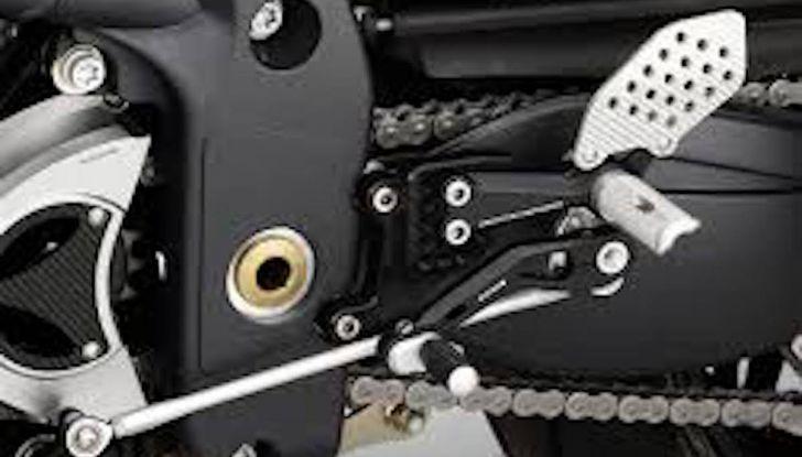 Moto e cambio rovesciato: perché si utilizza, che vantaggi offre e come montarlo - Foto 2 di 11